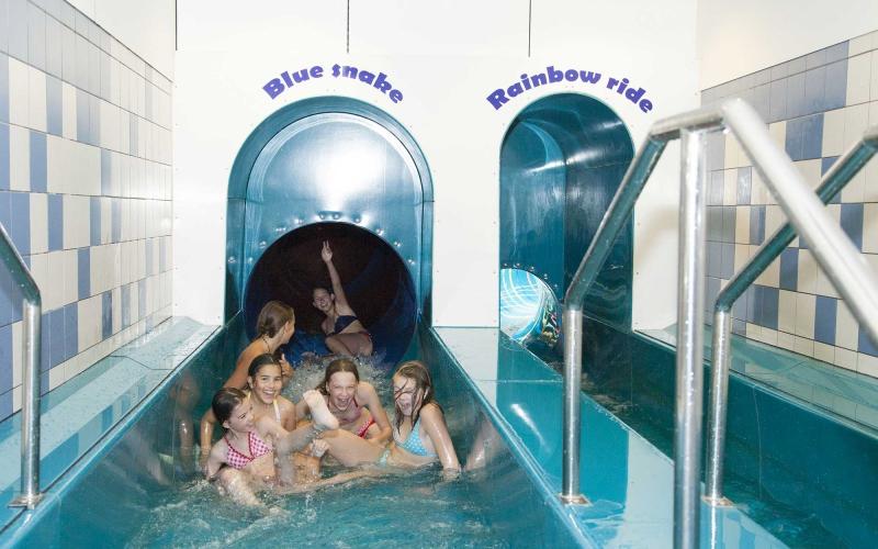 Zwembad rozengaarde arrangementen - Zwembad arrangement ...